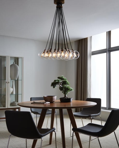Gambit 19 light chandelier
